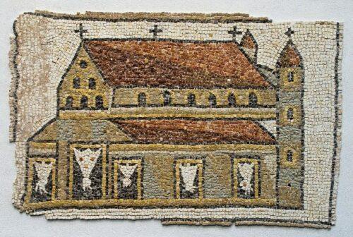 Textfeld: Abb. 2 Vorhänge im Kirchenraum (https://commons.wikimedia.org/wiki/Category:Mosaic_of_a_basilica_(Louvre,_Ma_3676)#/media/File:Basilique_%C3%A0_tours_mosa%C3%AFque_Louvre.jpghttps://commons.wikimedia.org/wiki/Category:Mosaic_of_a_basilica_(Louvre,_Ma_3676)#/media/File:Basilique_%C3%A0_tours_-_mosa%C3%AFque_Louvre.jpg).
